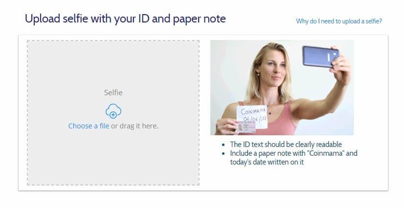 """Un selfie con documento ufficiale e biglietto con data e scritta """"Coinmama"""""""